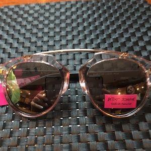 NWT Betsy Johnson sunglasses